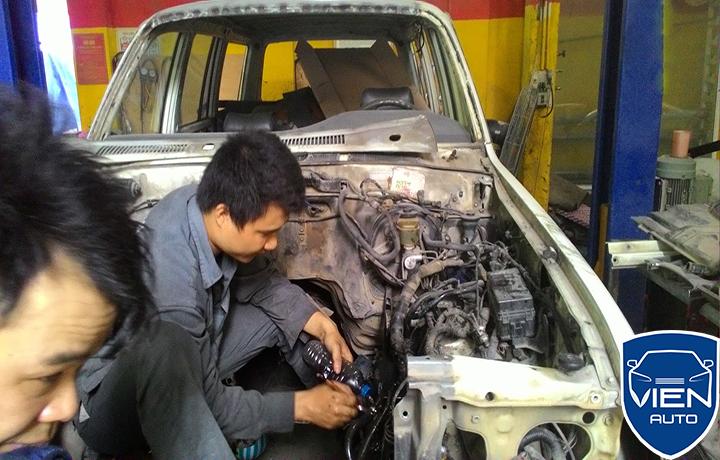 sua-chua-dai-tu-o-to-ford3